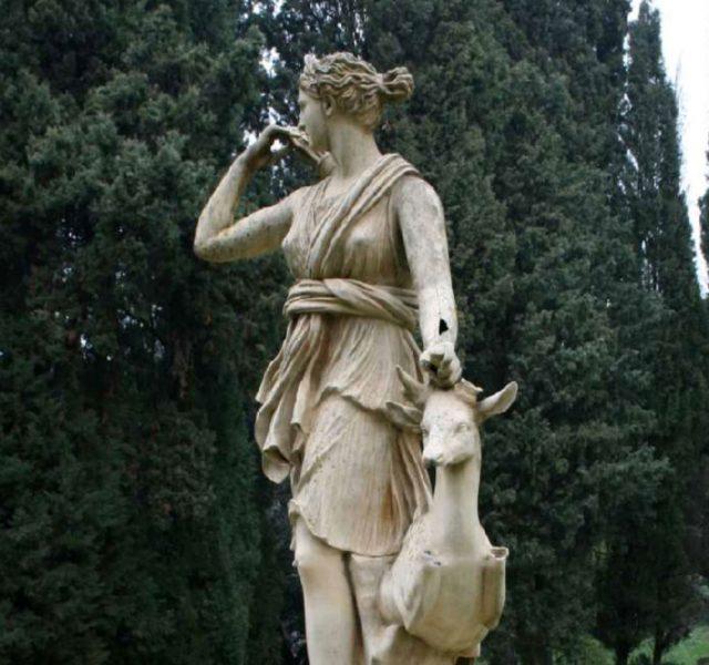La Statua di Diana Cacciatrice a Villa Fidelia